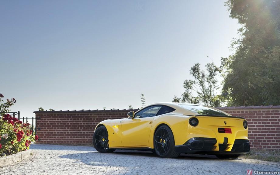 Hình nền siêu xe Ferrari tuyệt đẹp cho màn hình desktop